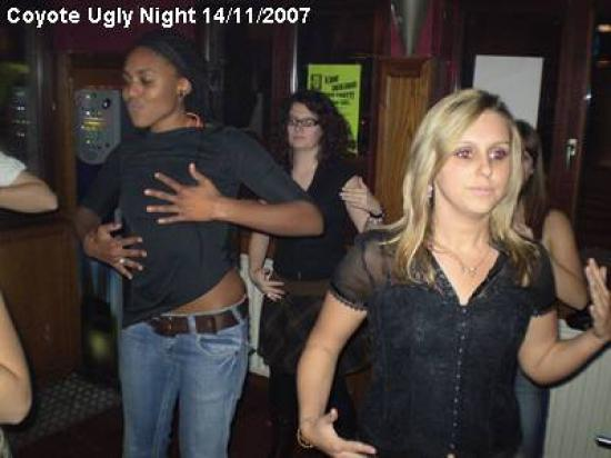coyote-ugly-night_11