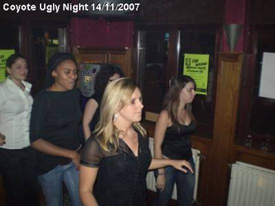 coyote-ugly-night_9